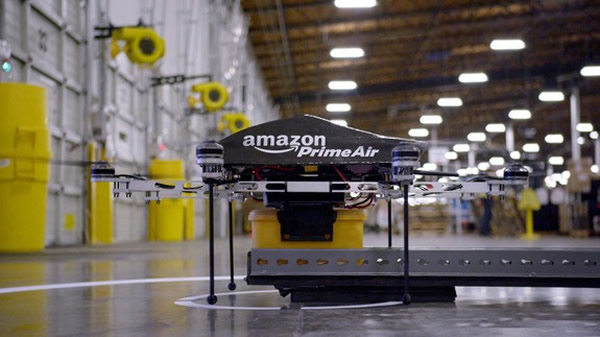 "Video: Amazon devela el futuro de sus repartos con mini drones ""voladores"""