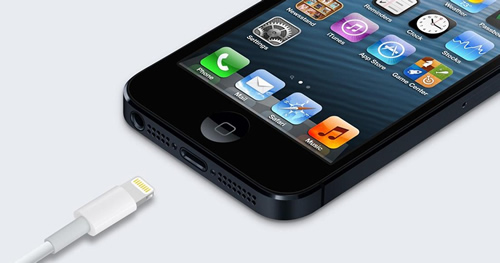 iPhone5-conector-2012-09-12-19-39.jpg